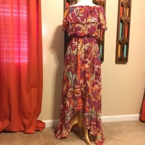 Dresses & Skirts - Flowing summer dress by Express